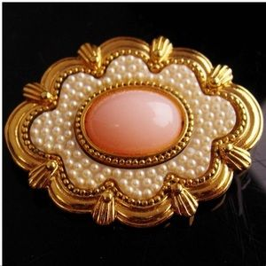 Antique style Victorian brooch